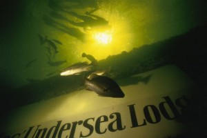 jules-undersea-lodge-2